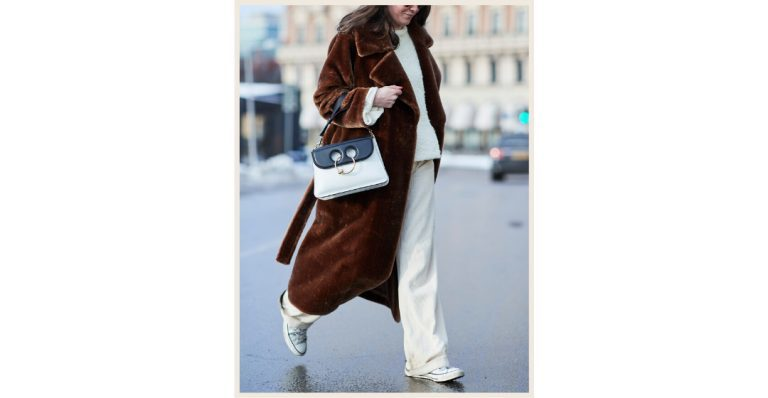 can you wear white pants in Winter?