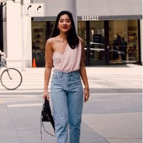Women's Straight Leg Jeans