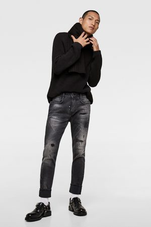 Zara RIPPED JEANS WITH DARTS