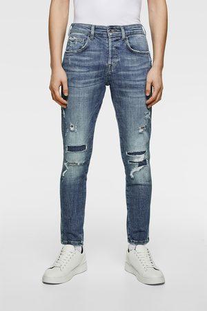 Zara Jeans - RAW EDGE RIPPED JEANS