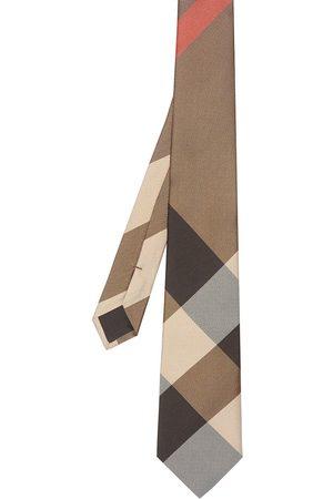 Burberry Modern cut oversized check tie