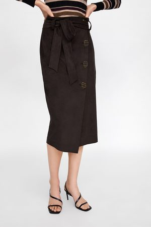 6b8e7d78cf5 Zara Faux suede skirt with buttons