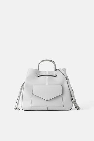 02399511e033 Top 10 Punto Medio Noticias | Bucket Bag Zara India