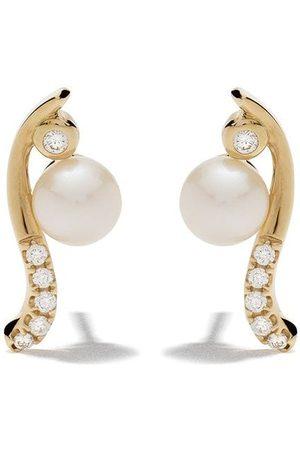 Yoko London 18kt yellow Trend Freshwater pearl and diamond earrings