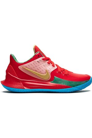 Nike Kyrie Low sneakers