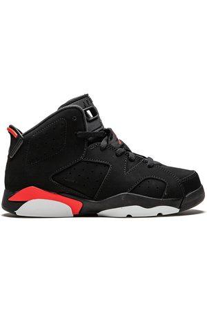 Jordan 6 Retro sneakers