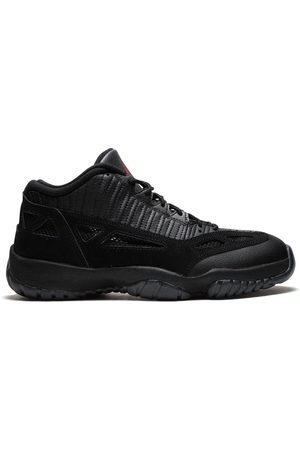 Jordan Air 11 Retro Low referee
