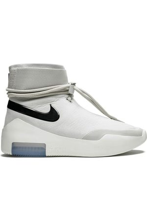 Nike Air Shoot Around sneakers