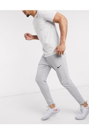 Nike Dri-Fit tapered fleece joggers in