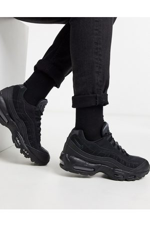 Nike Air Max 95 trainers in triple
