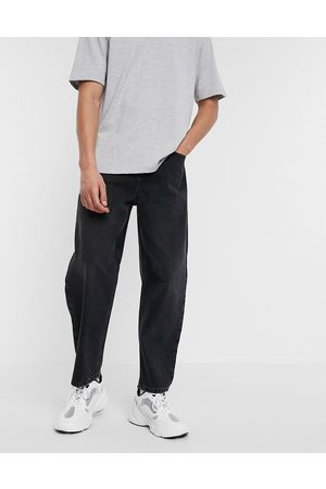 ASOS Relaxed tapered jeans in