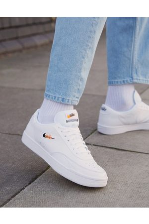 Nike Court Vintage Premium leather trainers in