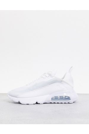 Nike Air Max 2090 trainers in