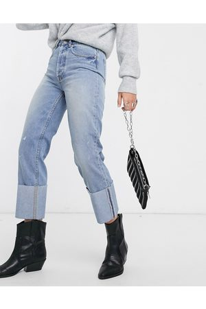 Only Women Straight - Straight leg jeans with turn up hem detail in light wash