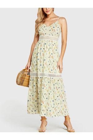 YOINS Floral Print V-neck Crochet Lace Embellished Dress