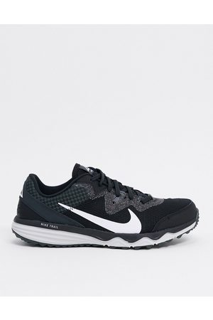 Nike Juniper Trail trainers in