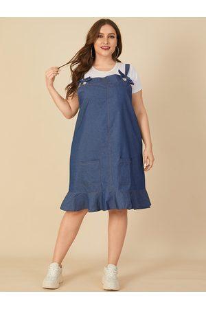 YOINS Plus Size Square Neck Pocket Design Sleeveless Denim Dress