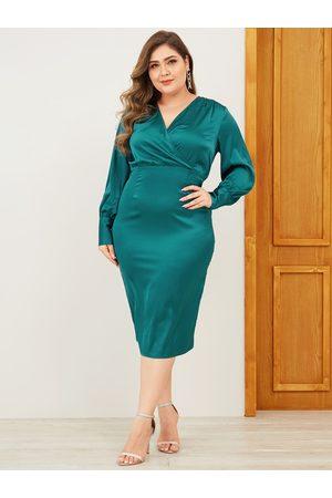 YOINS Women Midi Dresses - Plus Size Green Button Keyhole Design Dress