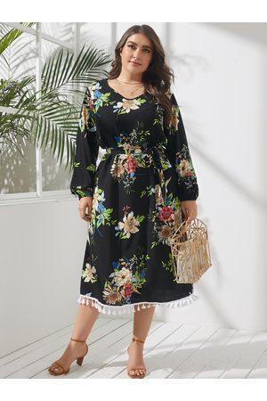 YOINS Plus Size V-neck Floral Print Belt Design Long Sleeves Midi Dress