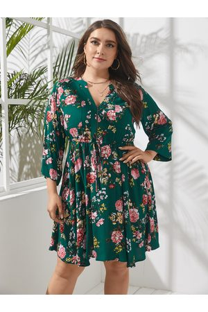 YOINS Plus Size V-neck Floral Print Zip Front 3/4 Length Sleeves Dress