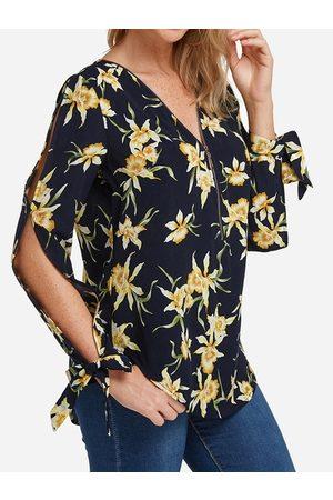 YOINS V-neck Zipper Front Slit Sleeved Random Floral Blouse in Black