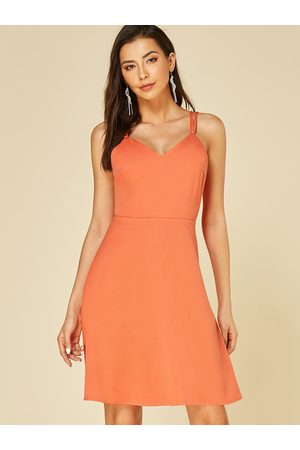 YOINS Backless Design V-neck Dress