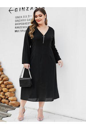 YOINS Plus Size Black Zip Front Deep V Neck Dress