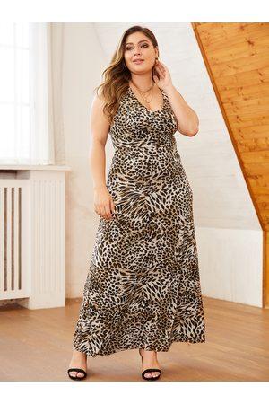 YOINS Plus Size Random Leopard Scoop Neck Sleeveless Dress