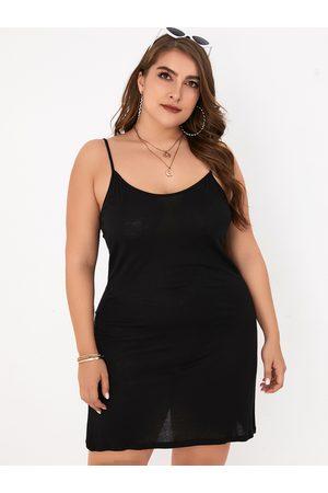 YOINS Plus Size Black Backless Design Sleeveless Dress