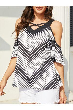 YOINS Women Short Sleeve - Black Criss-cross Striped V-neck Short Sleeves Blouse