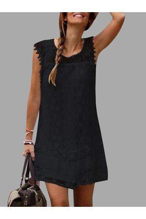 YOINS Lace Details Round Neck Sleeveless Dresses
