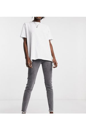 Reclaimed Vintage Women Skinny - Inspired The '90 skinny jean with raw hem in washed grey
