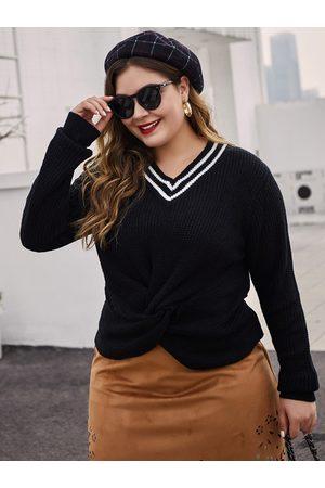 YOINS Plus Size Twisted V-neck Sweater
