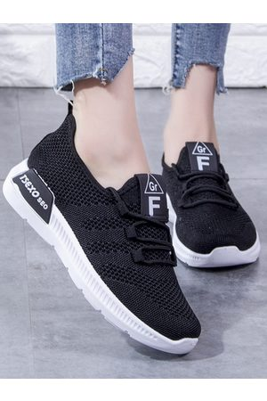 YOINS Sports Breathable Casual Sneakers