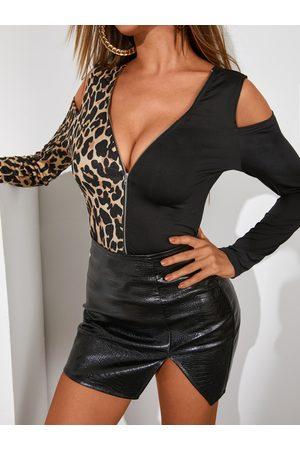 YOINS Black Leopard Patchwork Cold Shoulder Long Sleeves Tee