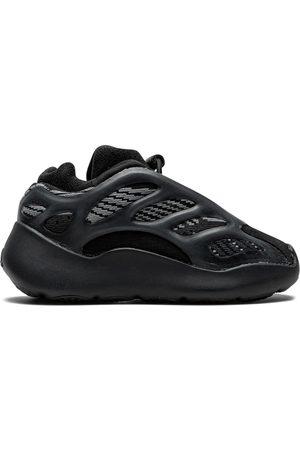 adidas Yeezy 700 V3 sneakers