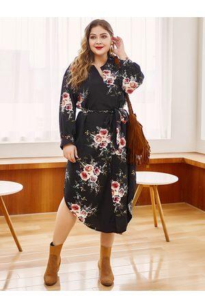 YOINS Plus Size Belt Design Random Floral Print V-neck Dress