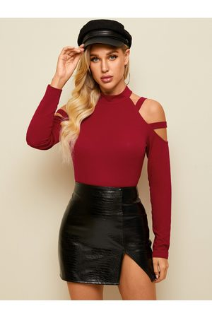 YOINS Cut Out Cold Shoulder Long Sleeves Tee