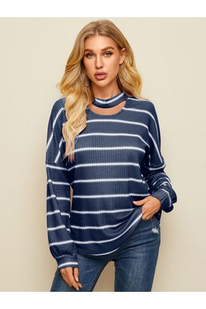 YOINS Crew neck Striped Cut out Long sleeves Tee