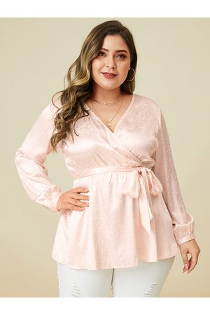 YOINS Plus Size Light Pink Belt Design V-neck Blouse