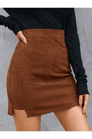 YOINS Slit Hem Suede Mini Skirt