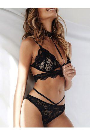 YOINS Sexy Strappy Choker-neck Lace Bralette & Thong Set