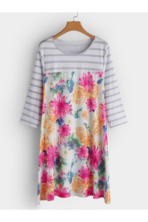 YOINS White Random Floral Print Round Neck Long Sleeves Dress
