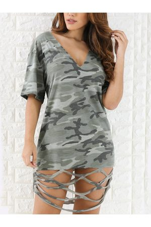 YOINS Women Printed Dresses - Camouflage V-neck Short Sleeves Cutout Hem Tee Dress