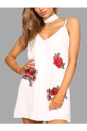 YOINS Sleeveless Random Rose Embroidery Sexy V-neck Halter Mini Dress With Chocker