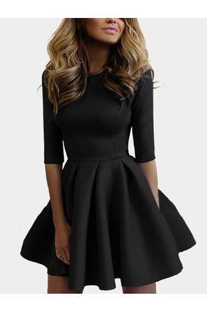 YOINS Casual Round Neck Tight-waist Mini Dress