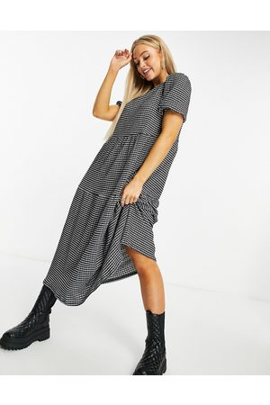 ASOS Midi tiered smock dress in based grid print