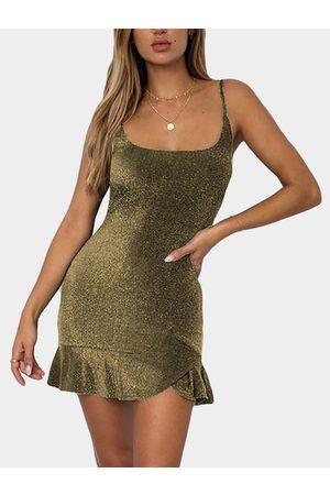 YOINS Bright silk Design Scoop Neck Flounced Hem Spaghetti Strap Dress