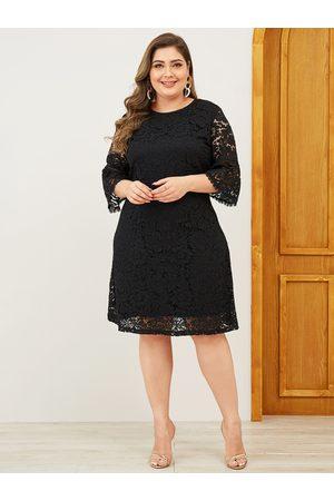 YOINS Plus Size Lace Design Dress