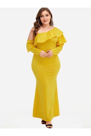 YOINS Plus Size Tiered Design One Shoulder Maxi Dress